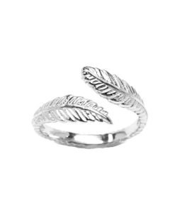 white-gold-feather-toe-ring