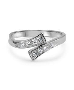 white-gold-toe-ring-cz